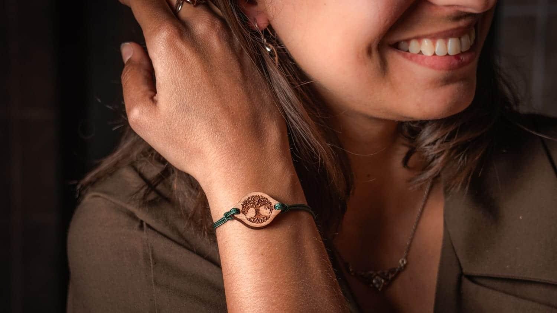 Bracelet en bois arbre de vie