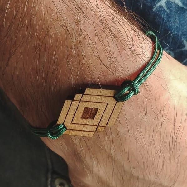 Bracelet-en-bois-Syma