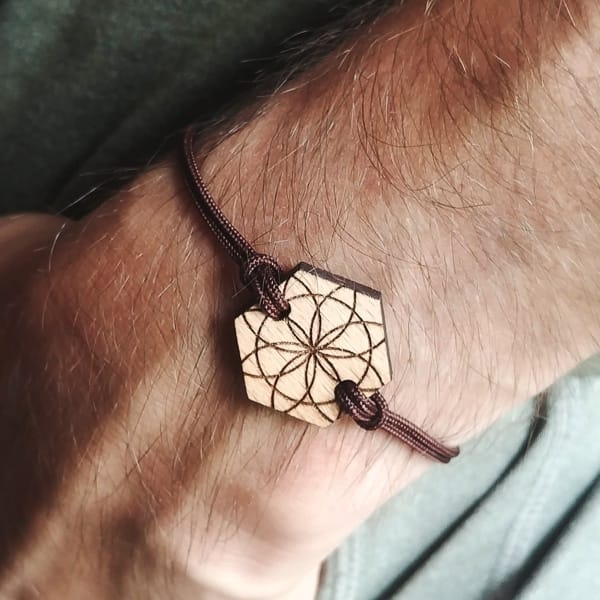 Bracelet en bois suisse recyclé Jomi