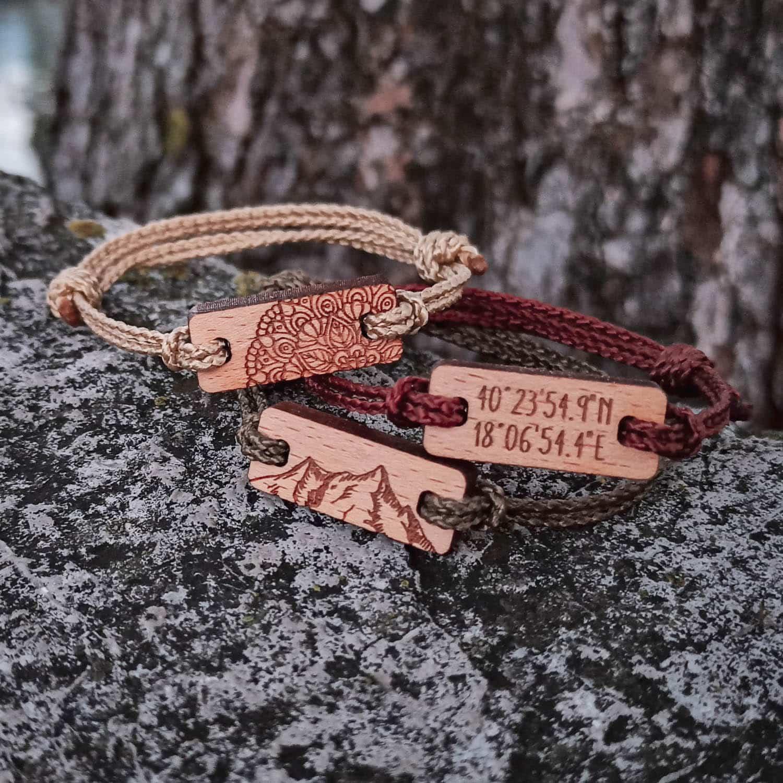 Bracelets en bois personnalisables
