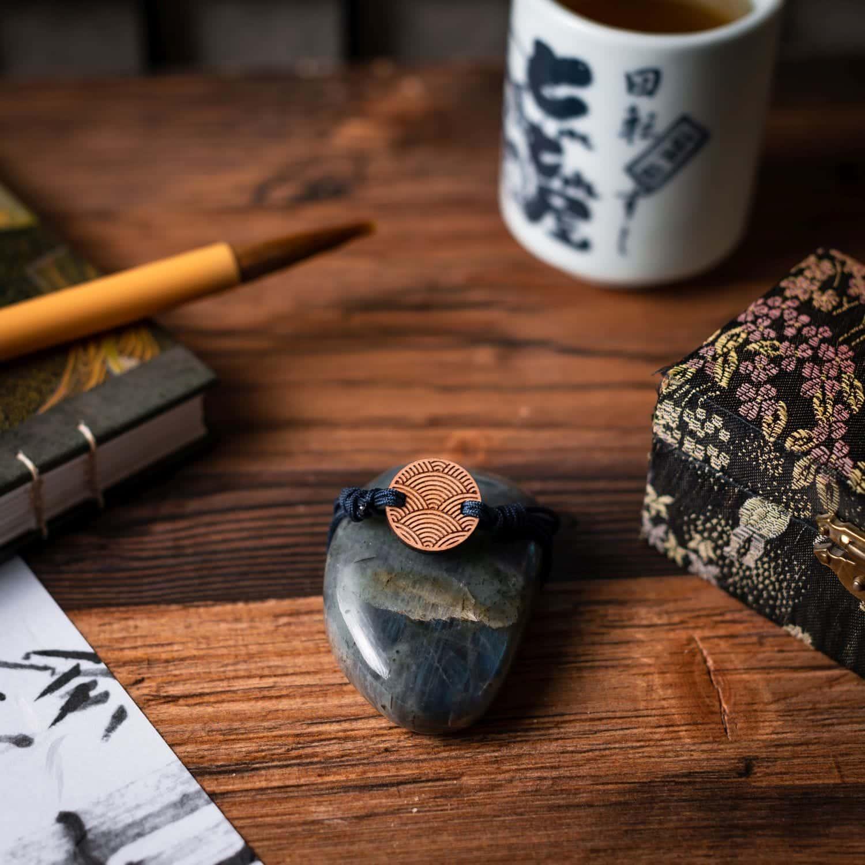 Bracelet en bois Tiby inspiré de la culture japonaise