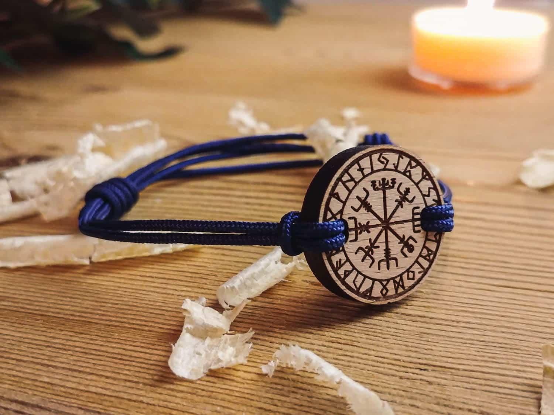 Bracelet en bois Viking