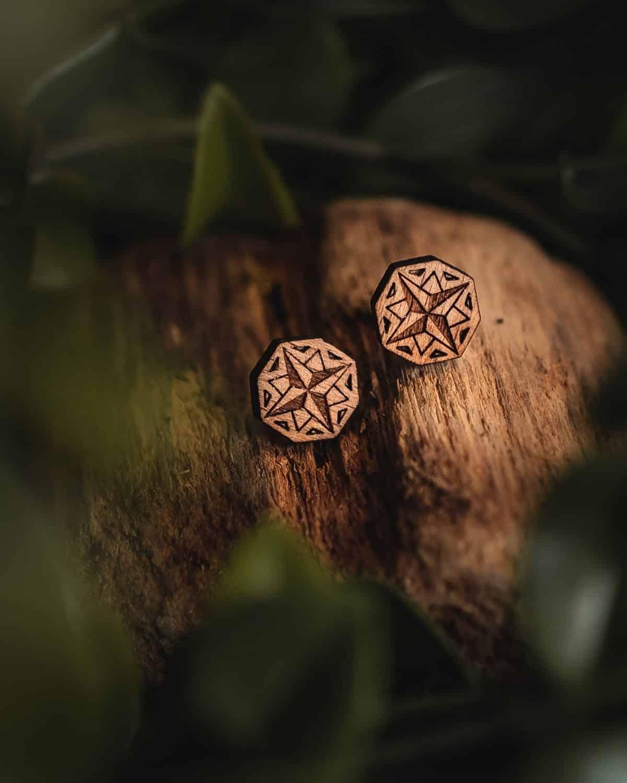 Clous d'oreilles Nomad en bois de hêtre suisse