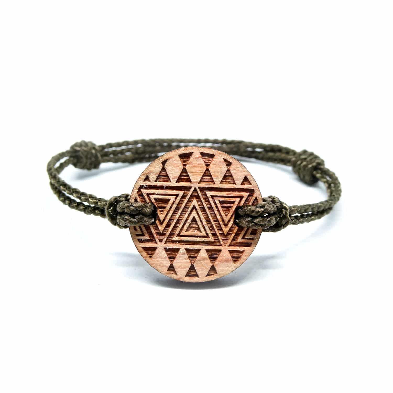 Bracelet en bois ethnique