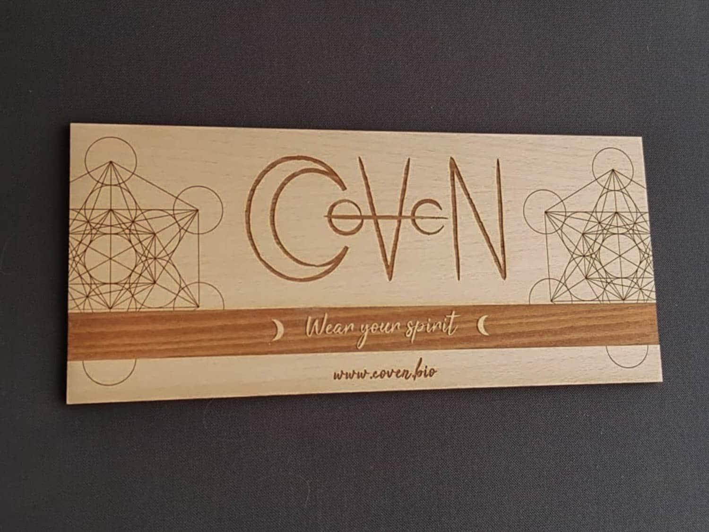 Panneau personnalisé en bois pour présentation de produits