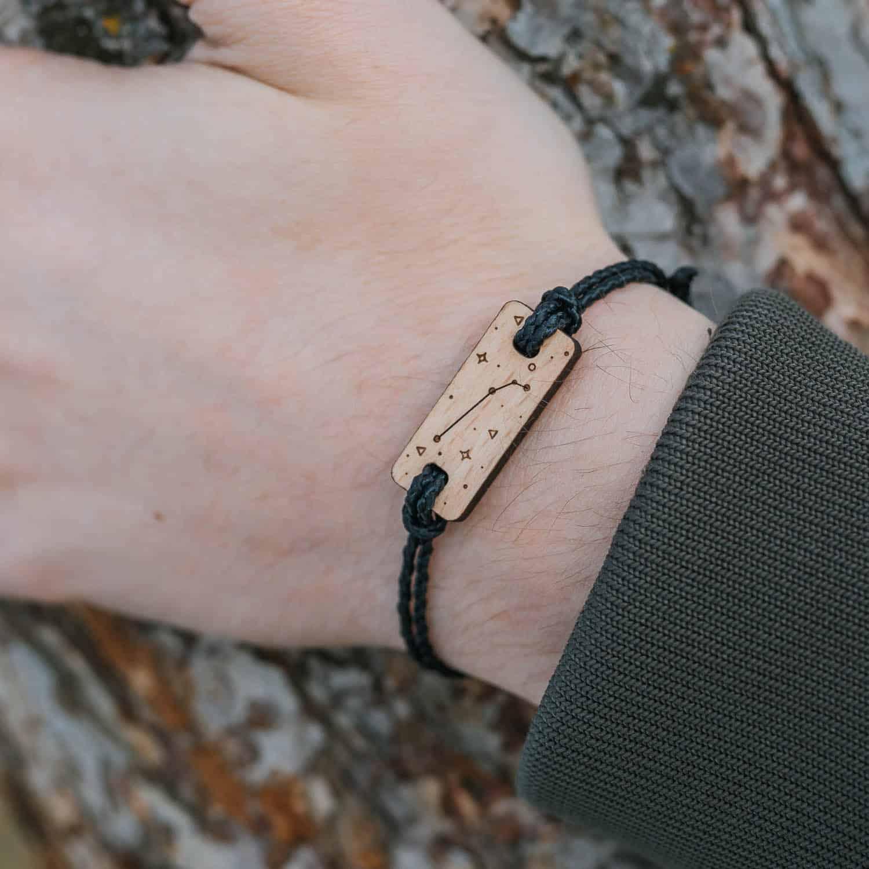Bracelet en bois signe astrologique bélier