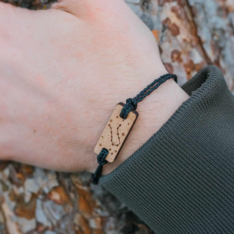 Bracelet en bois signe astrologique gemeaux