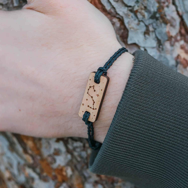 Bracelet en bois signe astrologique scorpion