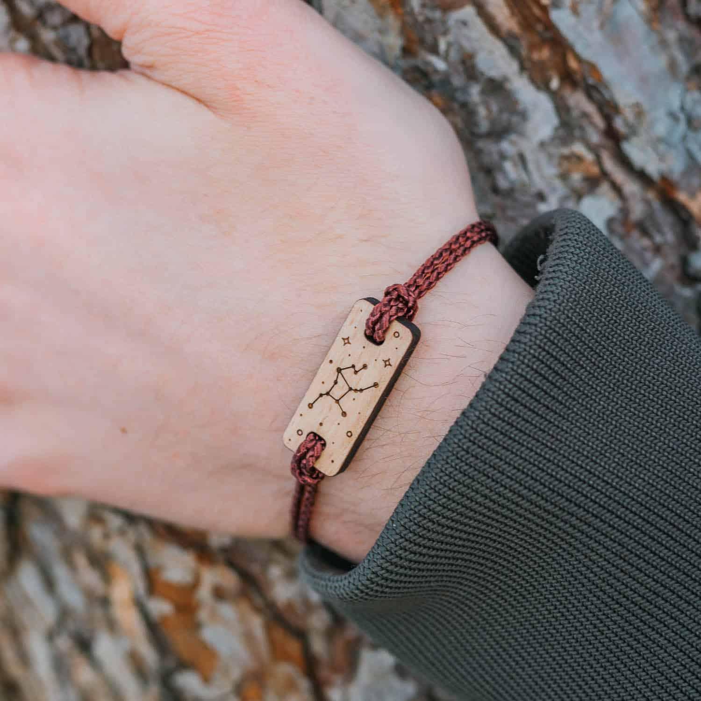 Bracelet en bois signe astrologique vierge