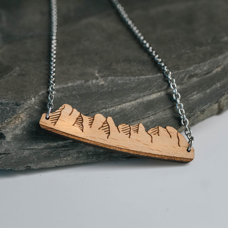 collier en bois peaks 4