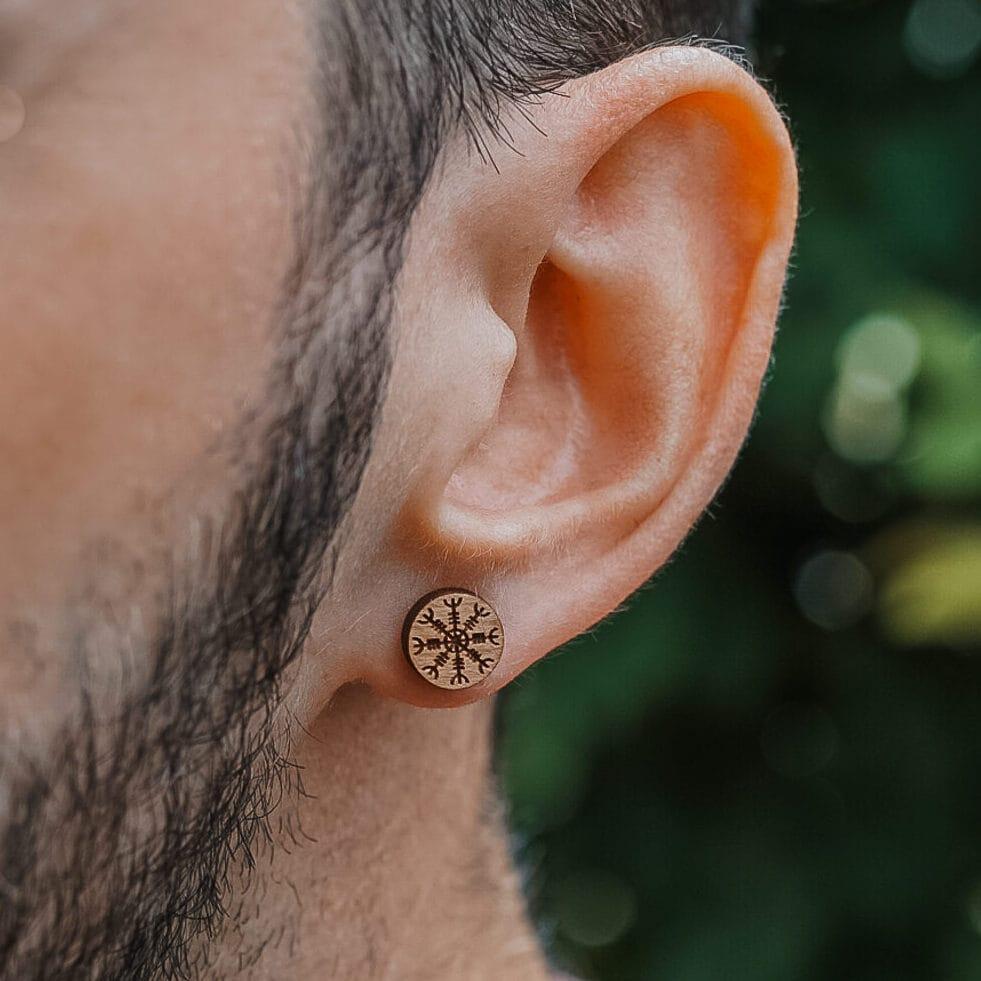 clous oreilles en bois vikings heaume awe e1629798641663