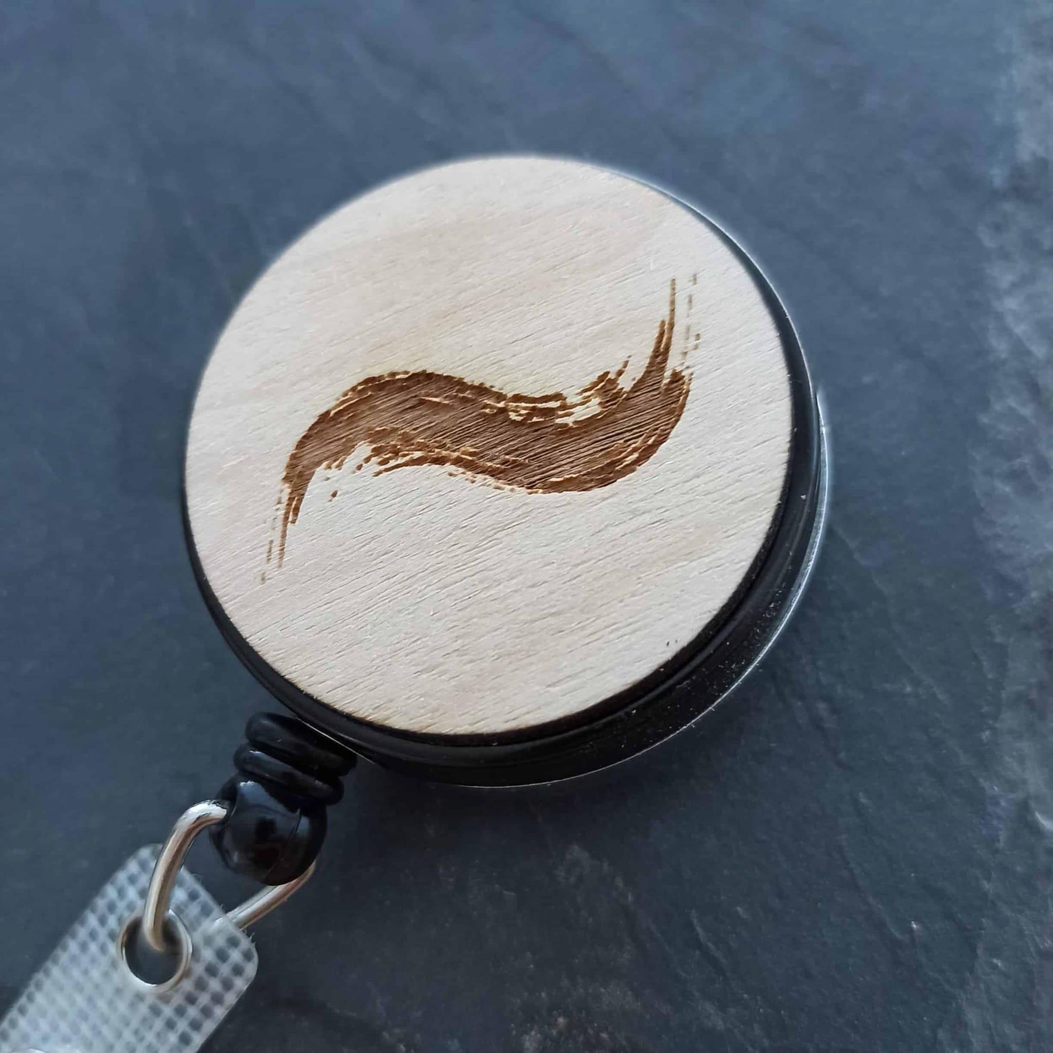 Porte badge personnalisable en bois gravé