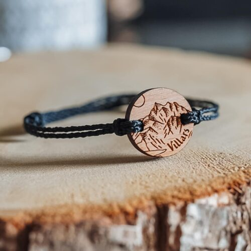Bracelet en bois personnalisé pour la commune de Villars